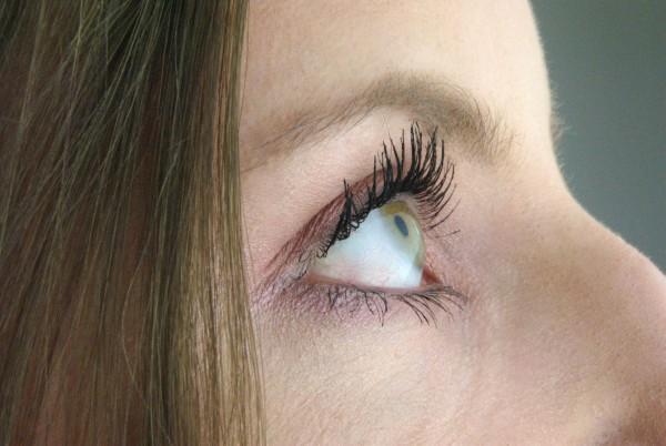 laura eye makeup copy